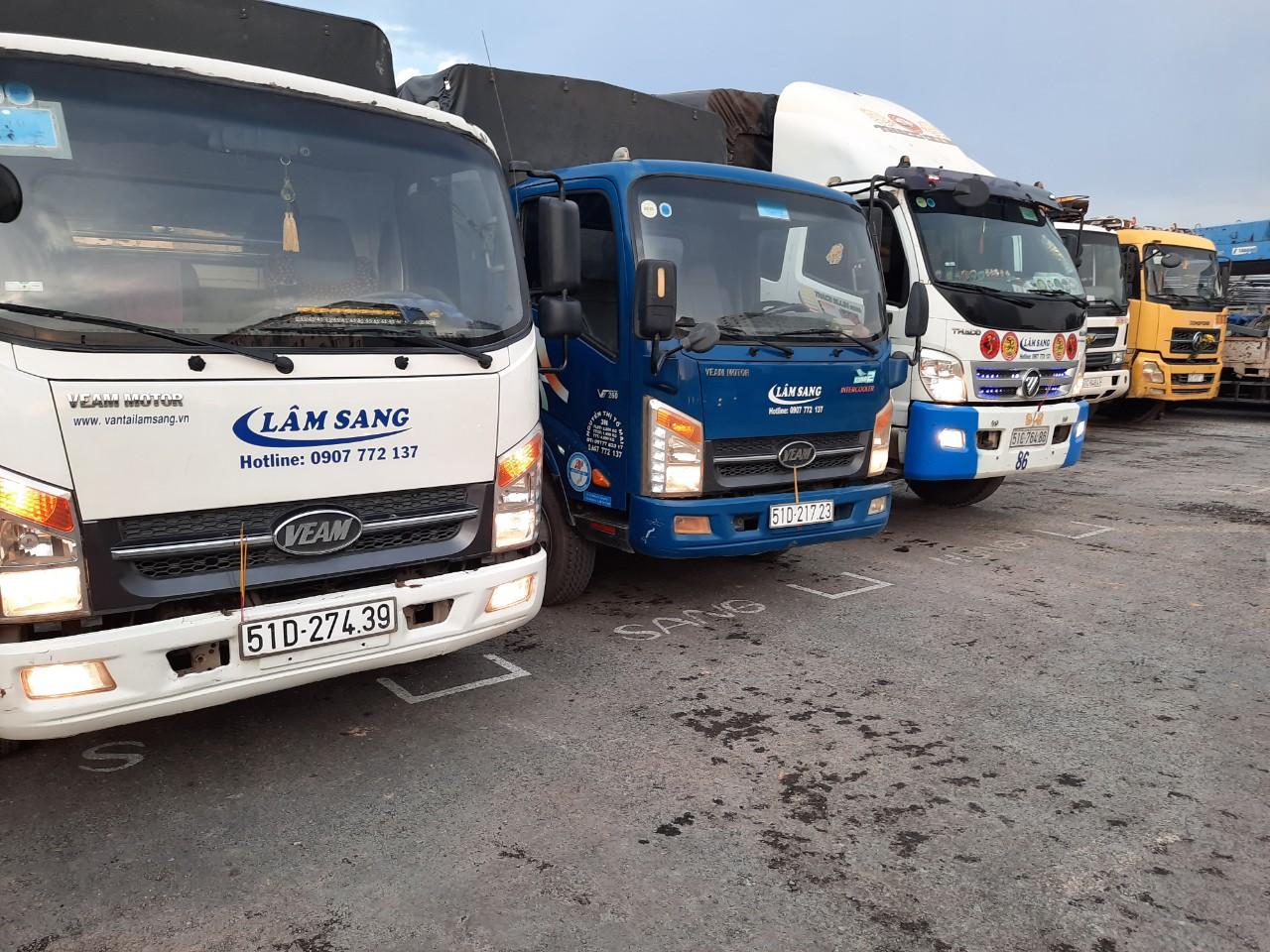 Xe tải chở hàng tại Quận 1