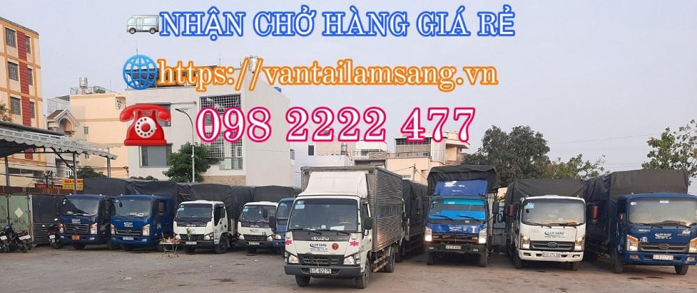 Xe tải chở hàng KCN Tân Bình